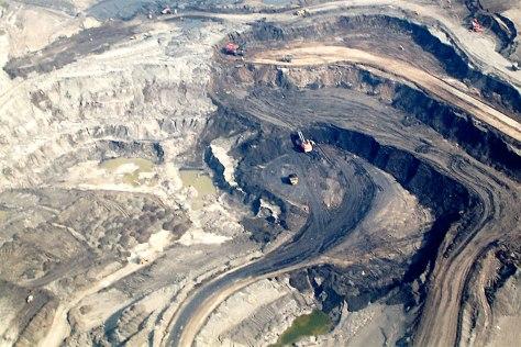oil.shale.open.pit.mine